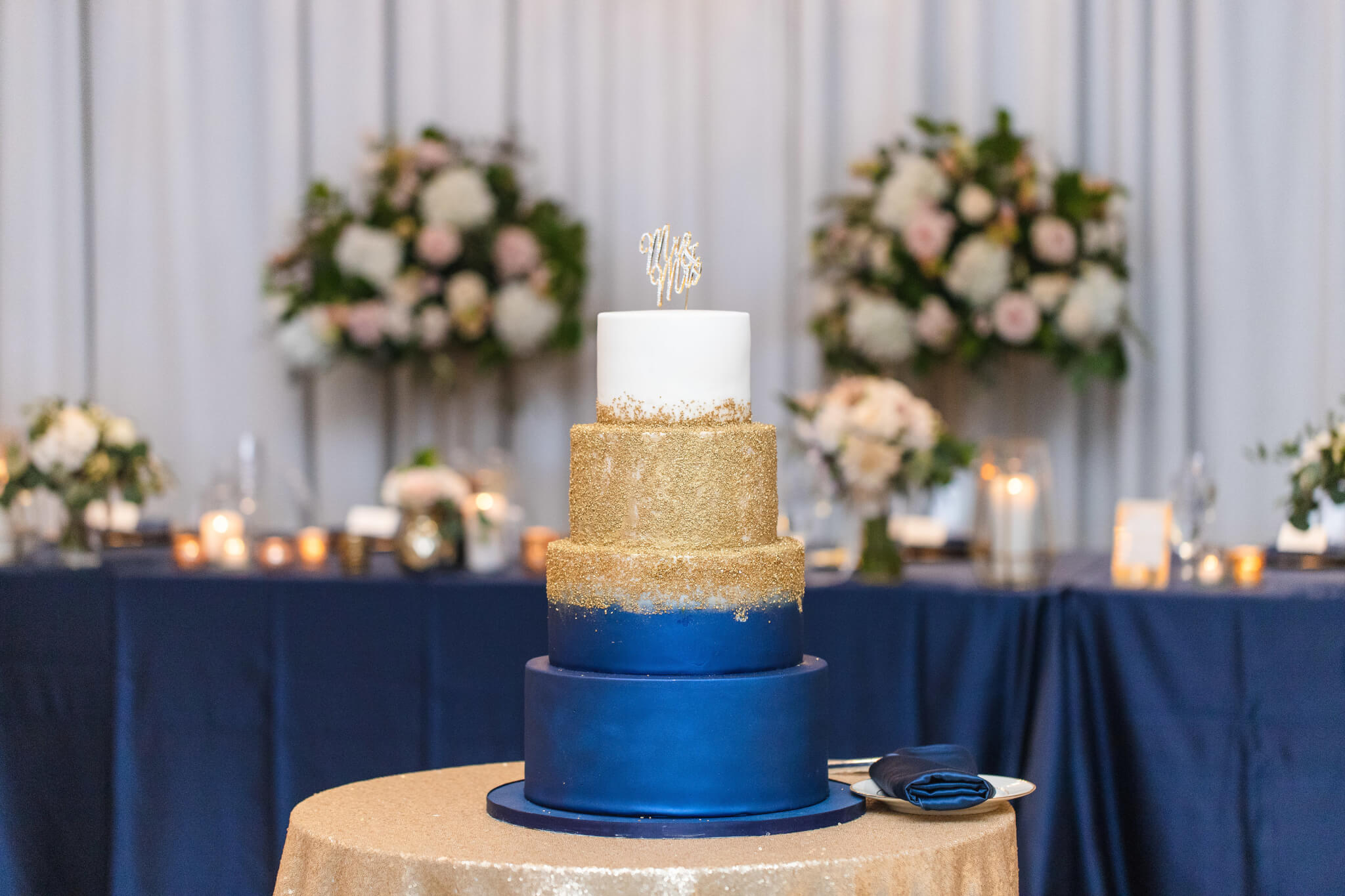 Navy And Gold Wedding Cake Chez Chicago Wedding Venue